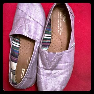Toms size 7 women's shoe
